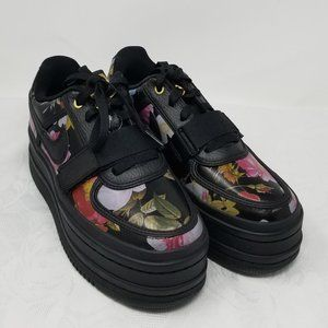NIKE Women' multi color FLORAL SNEAKER AQ7892 001